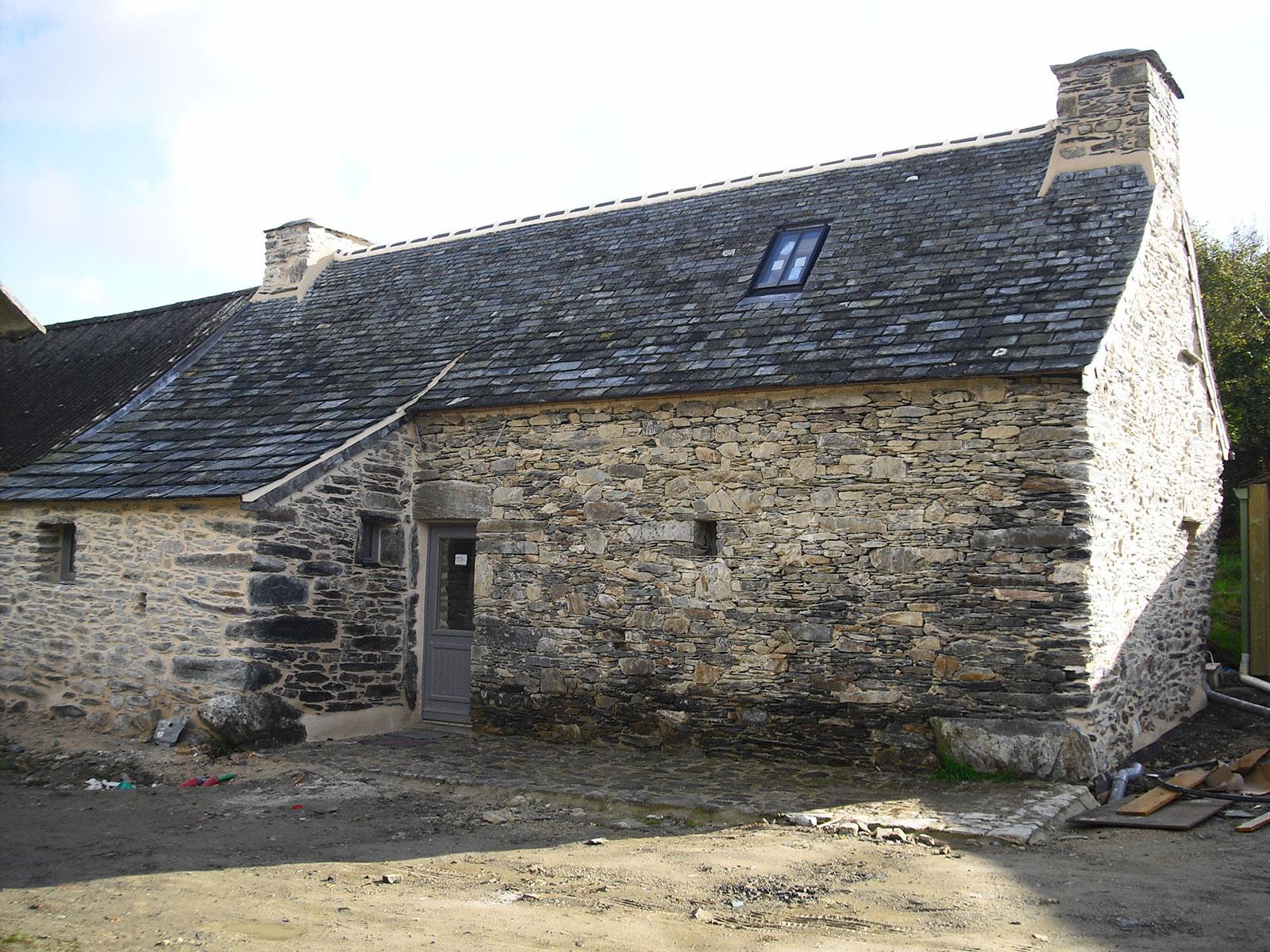 Maison en pierre seche avie home - Maison en pierre seche ...
